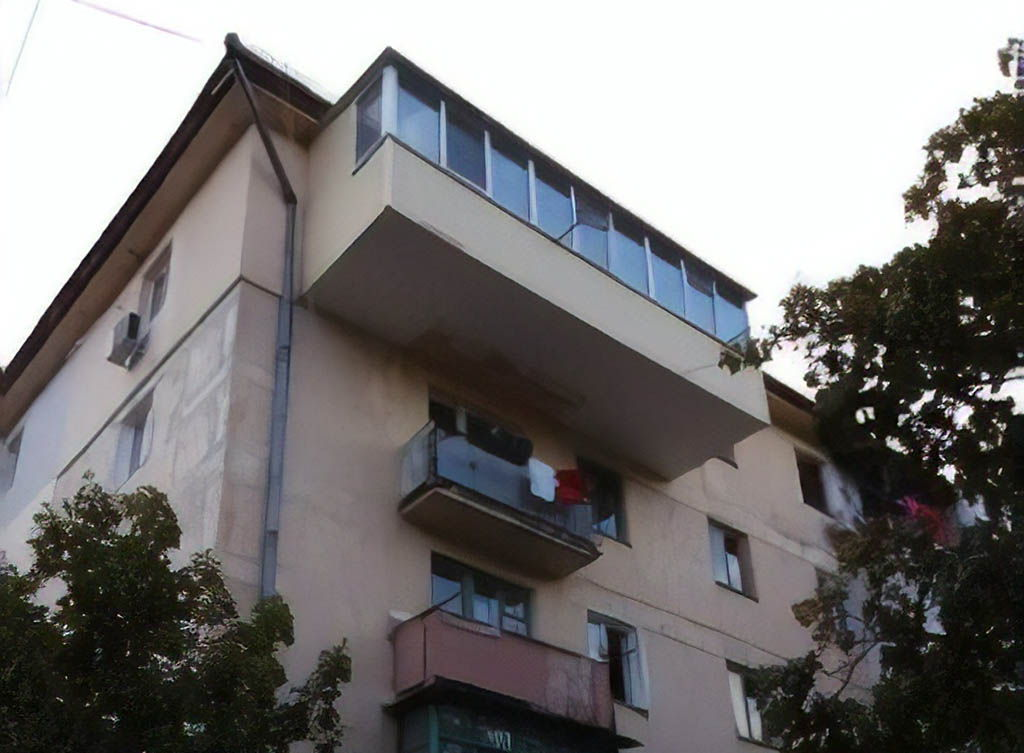 пристройка балкона к квартире многоквартирного дома в Украине
