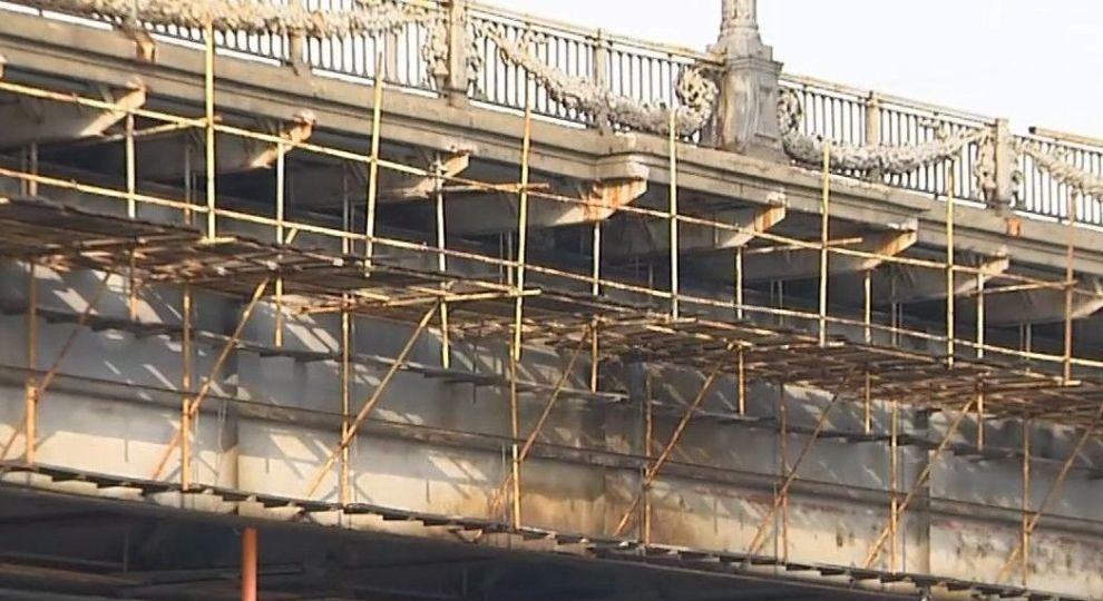 Мост Патона в Киеве: спасти, обследовать или покрасить?