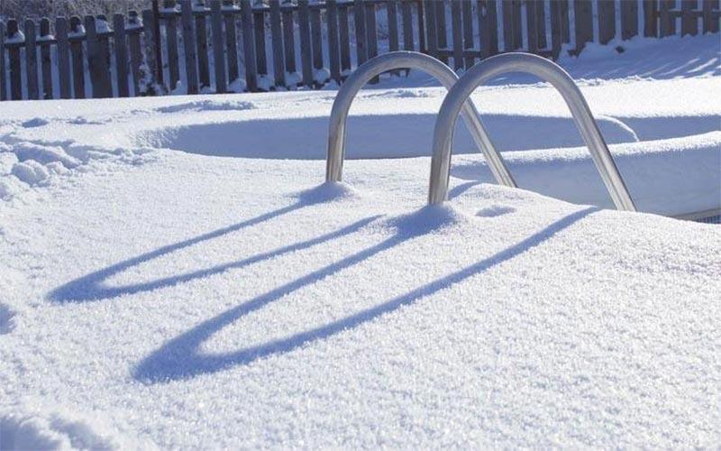 Правила догляду за басейном взимку